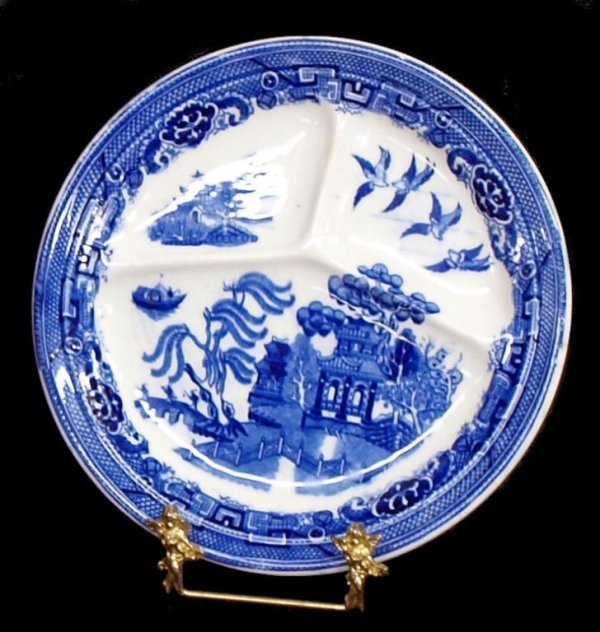 COLLECTION OF ENGLISH & DUTCH BLUE WILLOW CHINA - 4
