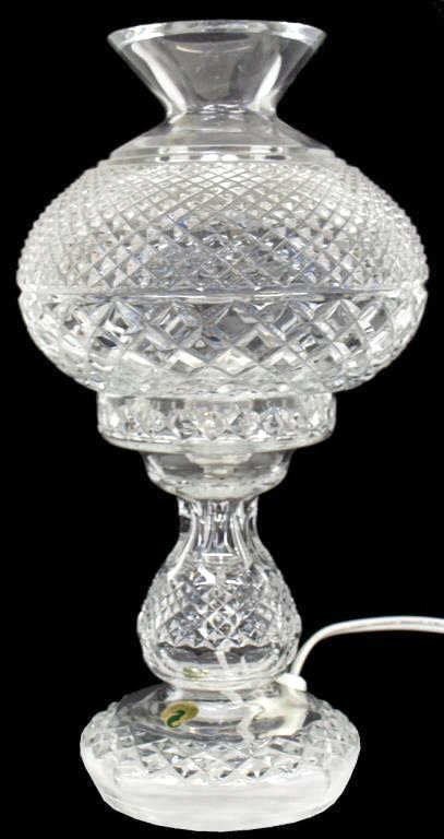 10: FINE WATERFORD CUT CRYSTAL HURRICANE TABLE LAMP