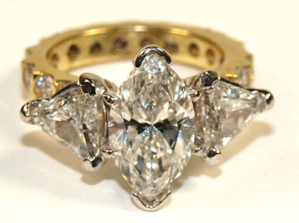 FINE JEWELRY:18KT GOLD & DIAMOND RING, 5.5 CARATS