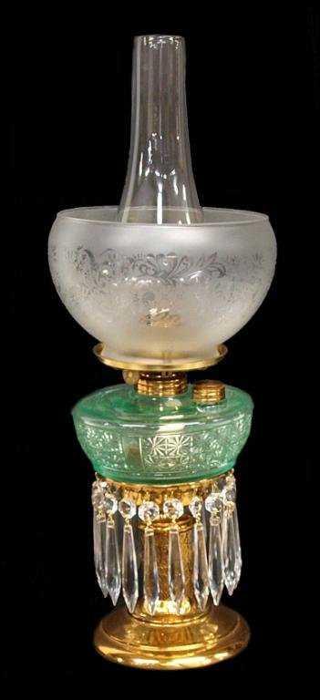 antique victorian crystal prism banquet oil lamp. Black Bedroom Furniture Sets. Home Design Ideas
