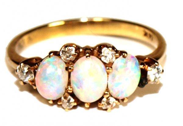 LADIES 14KT GOLD, DIAMOND & OPAL CABOCHON RING