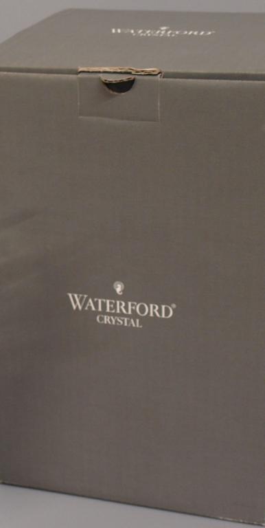 BOXED WATERFORD CRYSTAL VASE, SIERRA PATTERN - 3