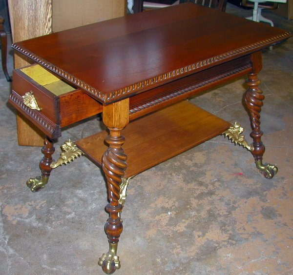 7: CHERRY WOOD GRIFFIN TABLE WITH  DRAWER