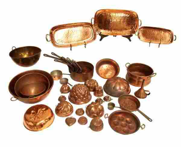 89: LARGE GROUP OF COPPER KITCHEN WARE, MOLDS, PANS