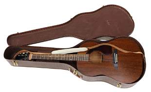 GIBSON 'LG-0' ACOUSTIC SIX-STRING GUITAR & CASE