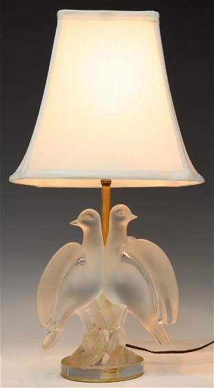 LALIQUE FRANCE 'ARIANE' FROSTED DOVES TABLE LAMP