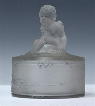 FRENCH RENE LALIQUE AMOUR ASSIS GLASS POWDER BOX