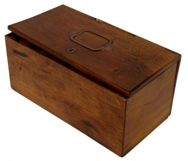 ANTIQUE TOBACCO PIPE BOX OR WORK BOX