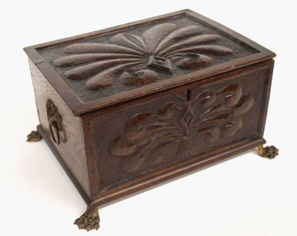 ANTIQUE ENGLISH OAK CARVED PAW FOOT TABLE BOX