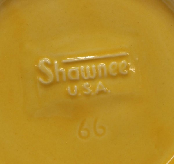 LARGE COLLECTION SHAWNEE CORN KING POTTERY - 8