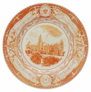 WEDGWOOD UT 'THE OLD MAIN BUILDING' PLATE
