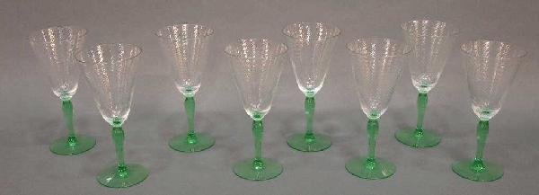 (8) CLEAR OPTIC SPIRAL GOBLETS ON A GREEN STEM