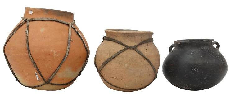 (3) PRE-COLUMBIAN STYLE POTTERY, AGE UNKNOWN