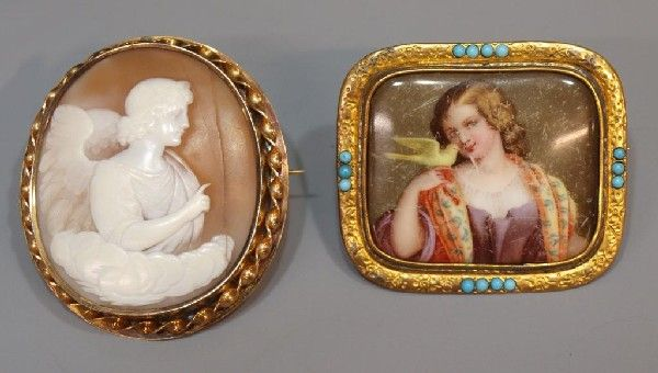 19TH C. 12KT GOLD WINGED ANGEL SHELL CAMEO BROOCH