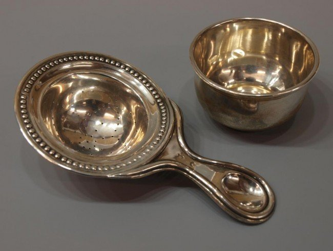 6: SPANISH SILVER TEA STRAINER & SMALL ROUNDED CUP