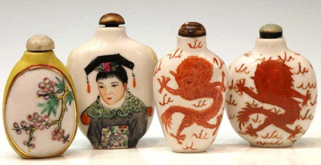 24: CHINESE PORCELAIN SNUFF BOTTLES