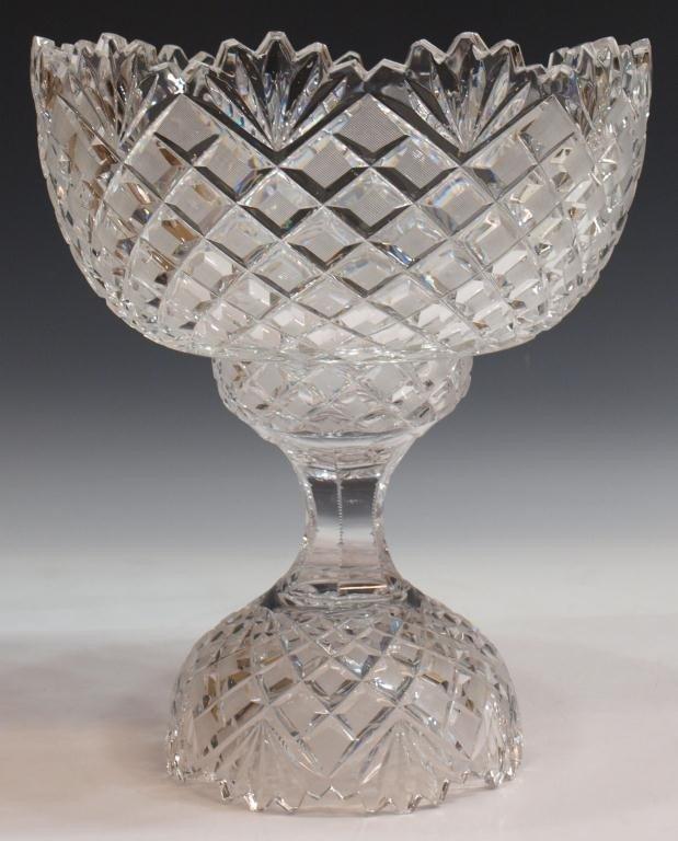 25: FINE CUT GLASS DIAMOND & FAN PUNCH BOWL ON STAND