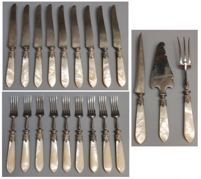 35: 19TH C FRENCH MOTHER-OF-PEARL FLATWARE SET
