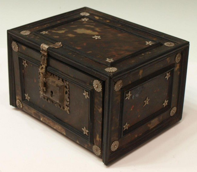 227:  INDO-PORTUGUESE TORTOISE SHELL & EBONY TABLE BOX