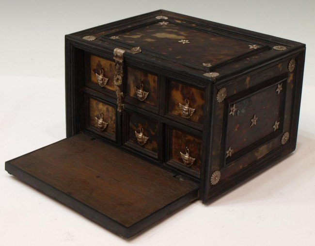227:  INDO-PORTUGUESE TORTOISE SHELL & EBONY TABLE BOX - 2