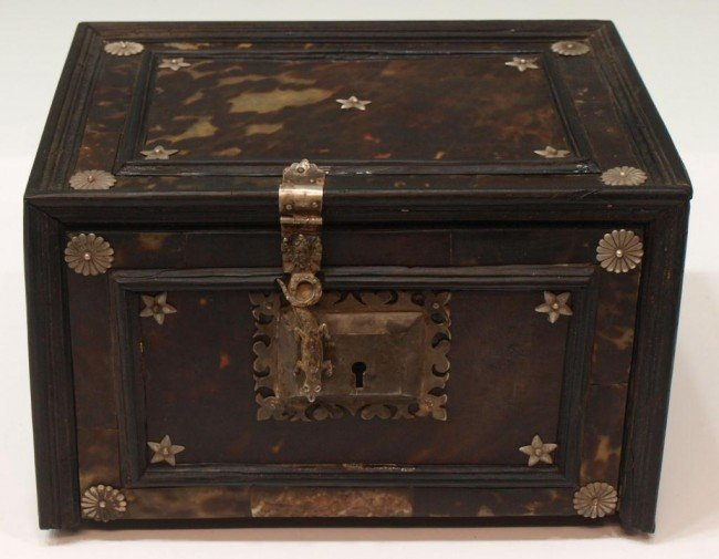 227:  INDO-PORTUGUESE TORTOISE SHELL & EBONY TABLE BOX - 3