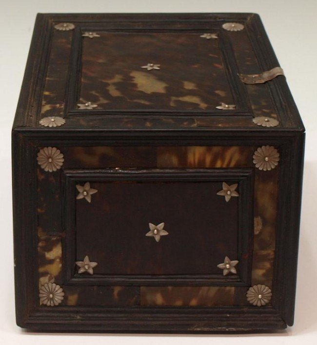 227:  INDO-PORTUGUESE TORTOISE SHELL & EBONY TABLE BOX - 6