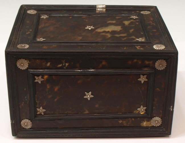 227:  INDO-PORTUGUESE TORTOISE SHELL & EBONY TABLE BOX - 7