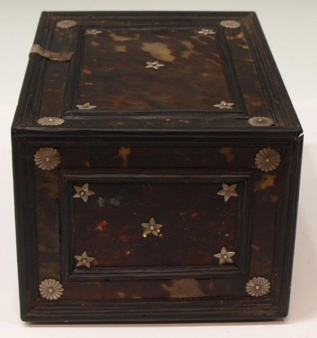 227:  INDO-PORTUGUESE TORTOISE SHELL & EBONY TABLE BOX - 8