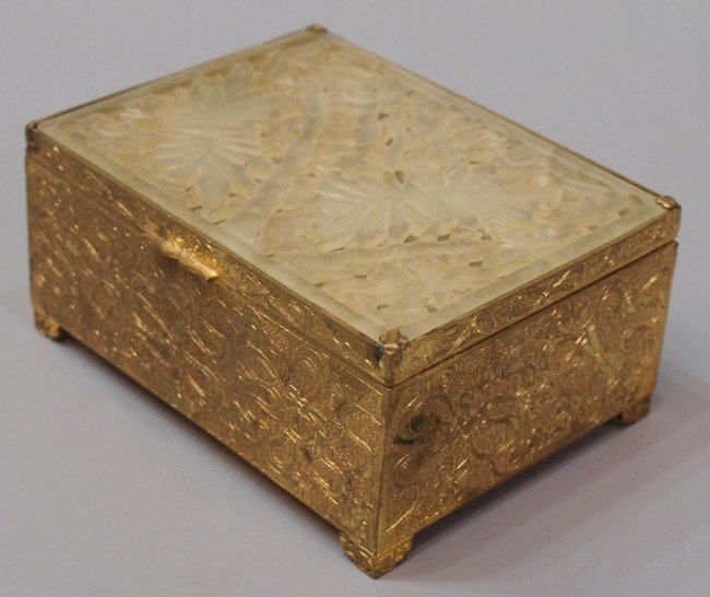 419: CHINESE GILT METAL BOX WITH PIERCED JADE TOP