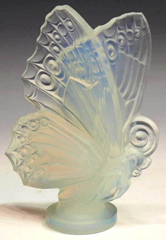 10: FRENCH SABINO OPALESCENT ART GLASS BUTTERFLY