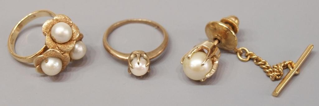 12: GOLD & PEARL JEWELRY GROUPING, RINGS & TIE TACK