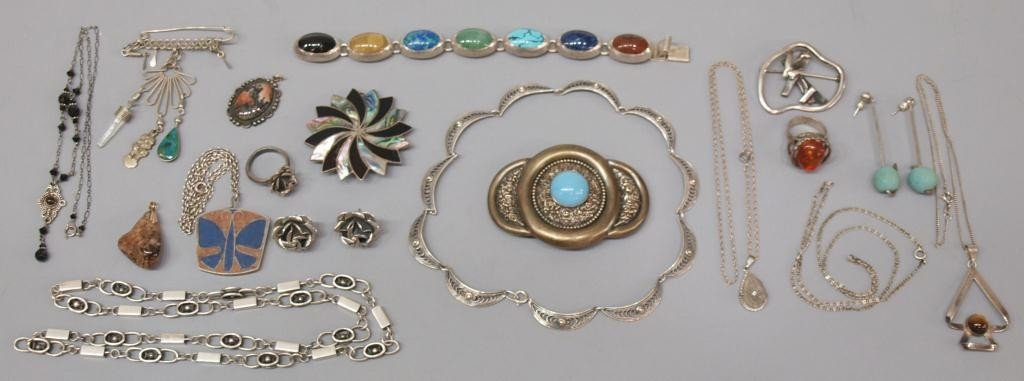 17: GROUP VINTAGE MEXICO STERLING & OTHER JEWELRY