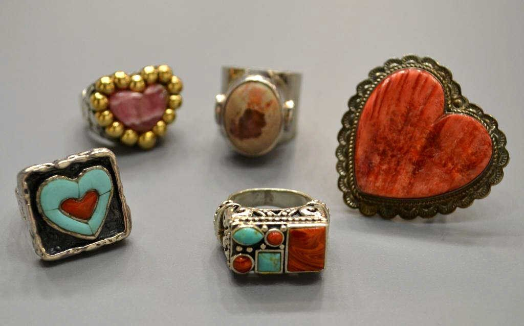 16: LADIES STERLING, TURQUOISE & STONE RING GROUP