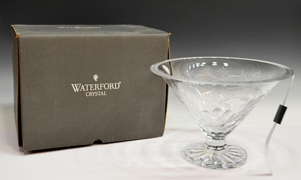178: WATERFORD 18TH C PATTERN CRYSTAL BOWL IN BOX