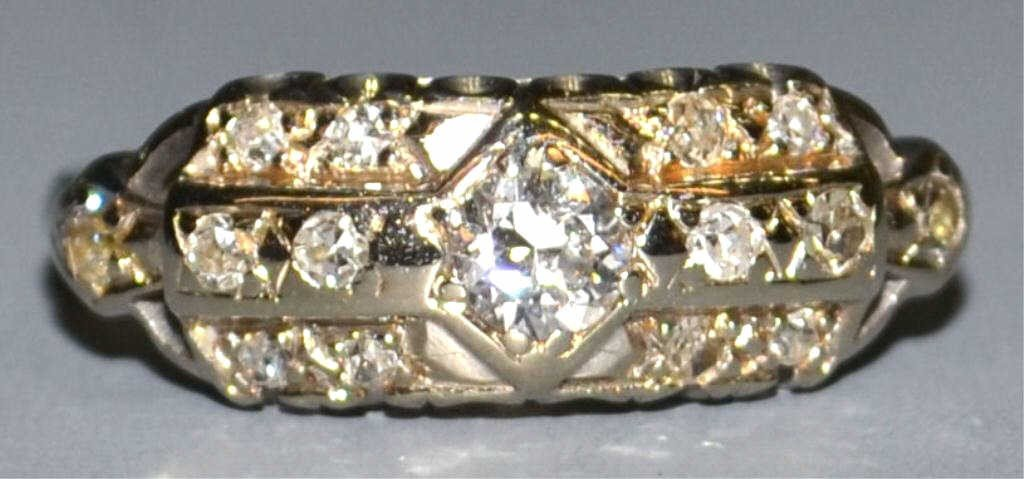 187: VINTAGE 18KT WHITE GOLD & DIAMOND ESTATE RING