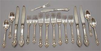 325 LUNT ELOQUENCE STERLING SILVER FLATWARE SET