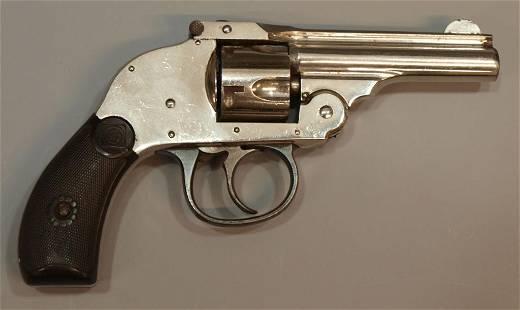 H&R .32 NICKEL HAMMERLESS REVOLVER