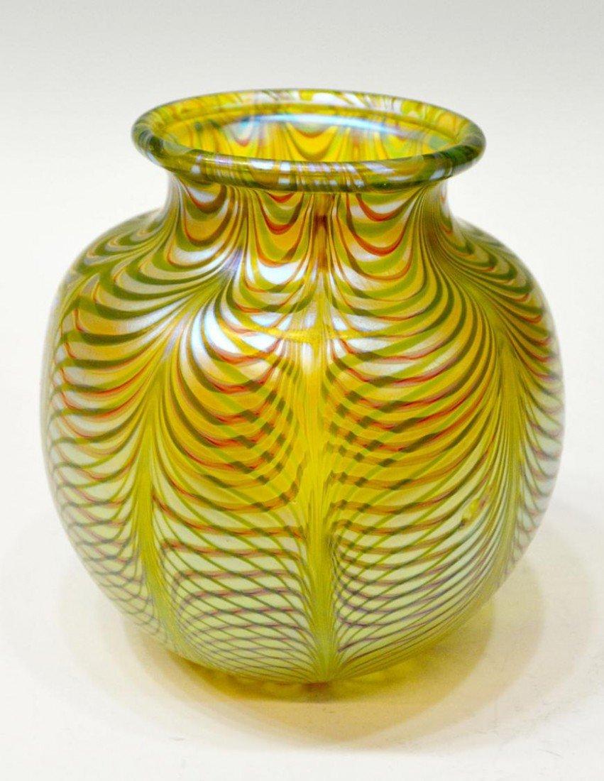 22: ORIENT & FLUME ART GLASS VASE, 1982
