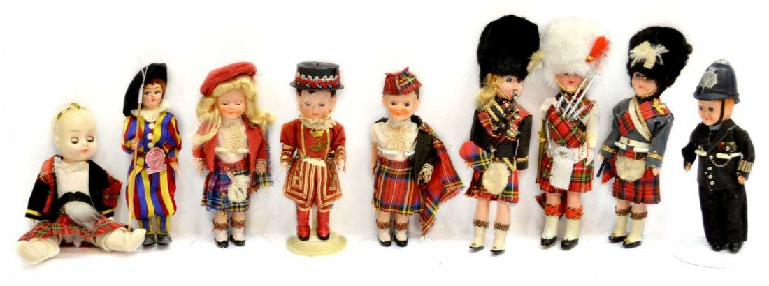 25: HUGE GROUP VINTAGE DOLLS FROM AROUND THE WORLD - 2