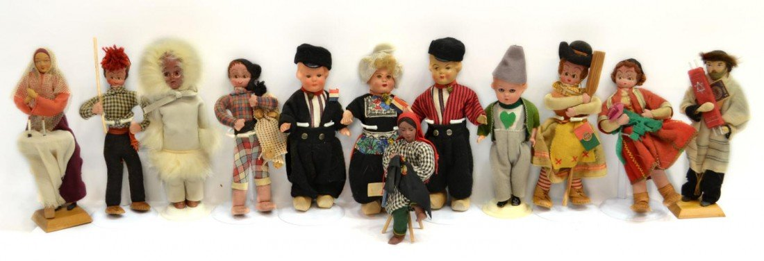 25: HUGE GROUP VINTAGE DOLLS FROM AROUND THE WORLD - 4