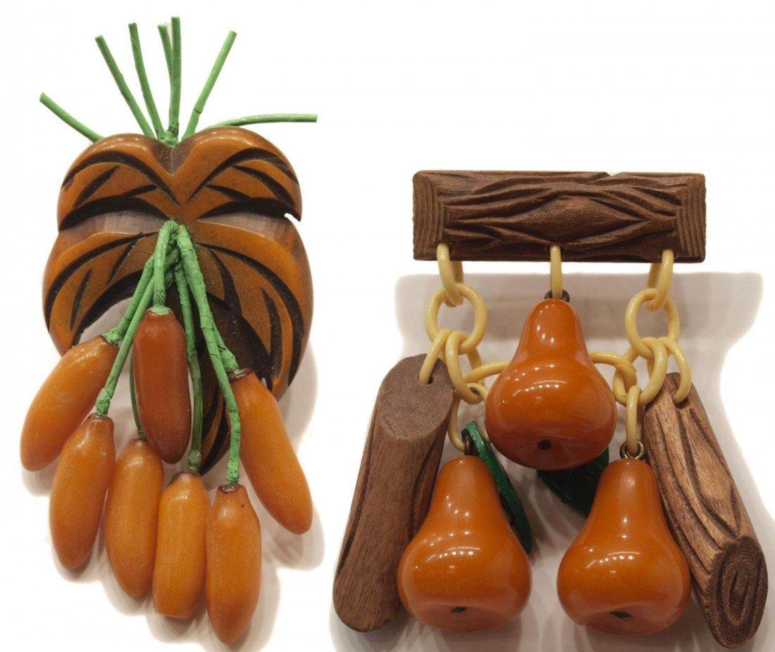 8: VINTAGE BAKELITE BANANA & PEAR BROOCHES PINS