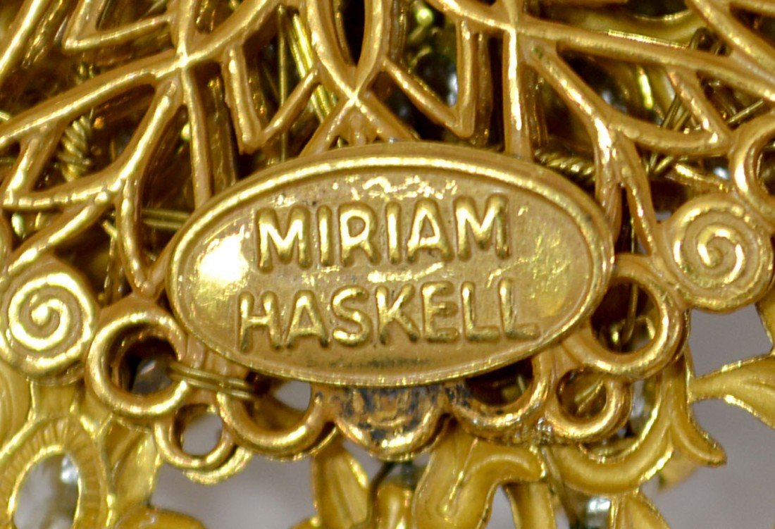 13: VINTAGE MIRIAM HASKELL BROOCH & FAUX TORTOISE COMB - 4