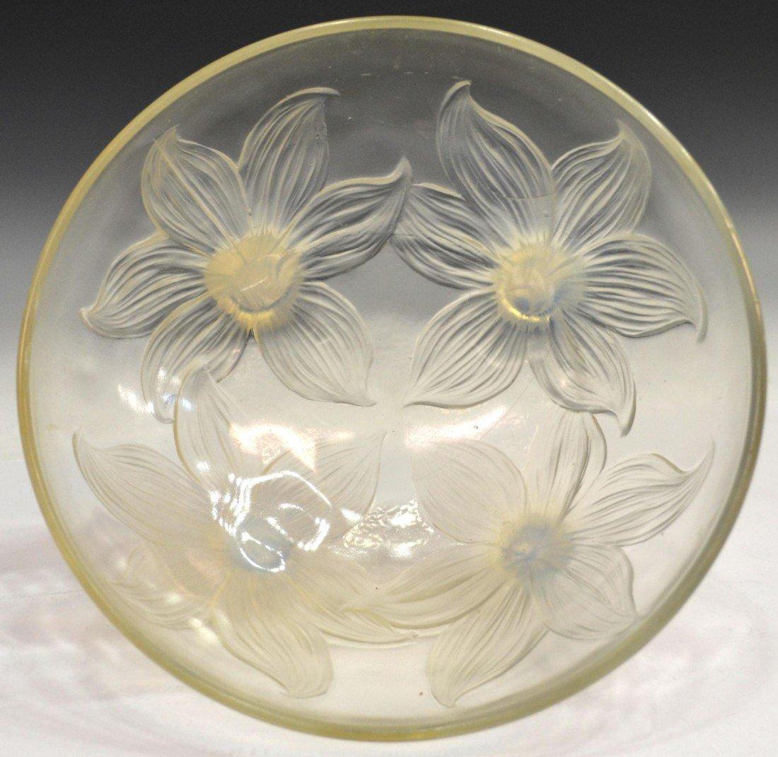 11: R. LALIQUE 'LYS' OPALESCENT GLASS BOWL, C. 1924