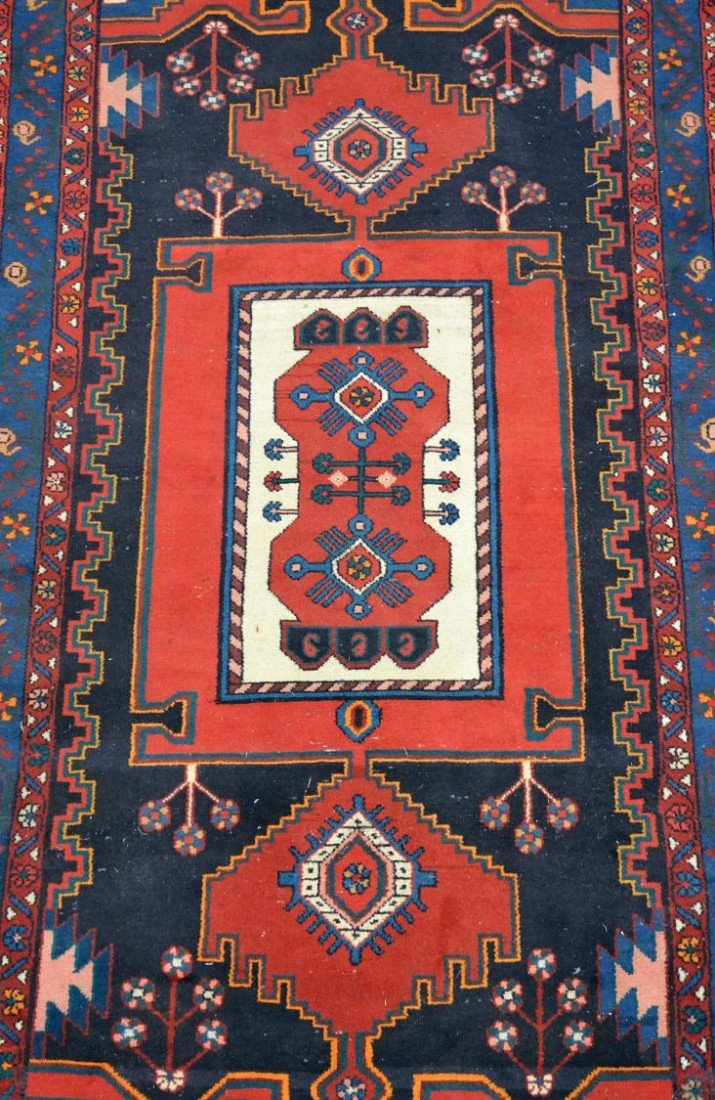 18: HAND TIED PERSIAN RUG