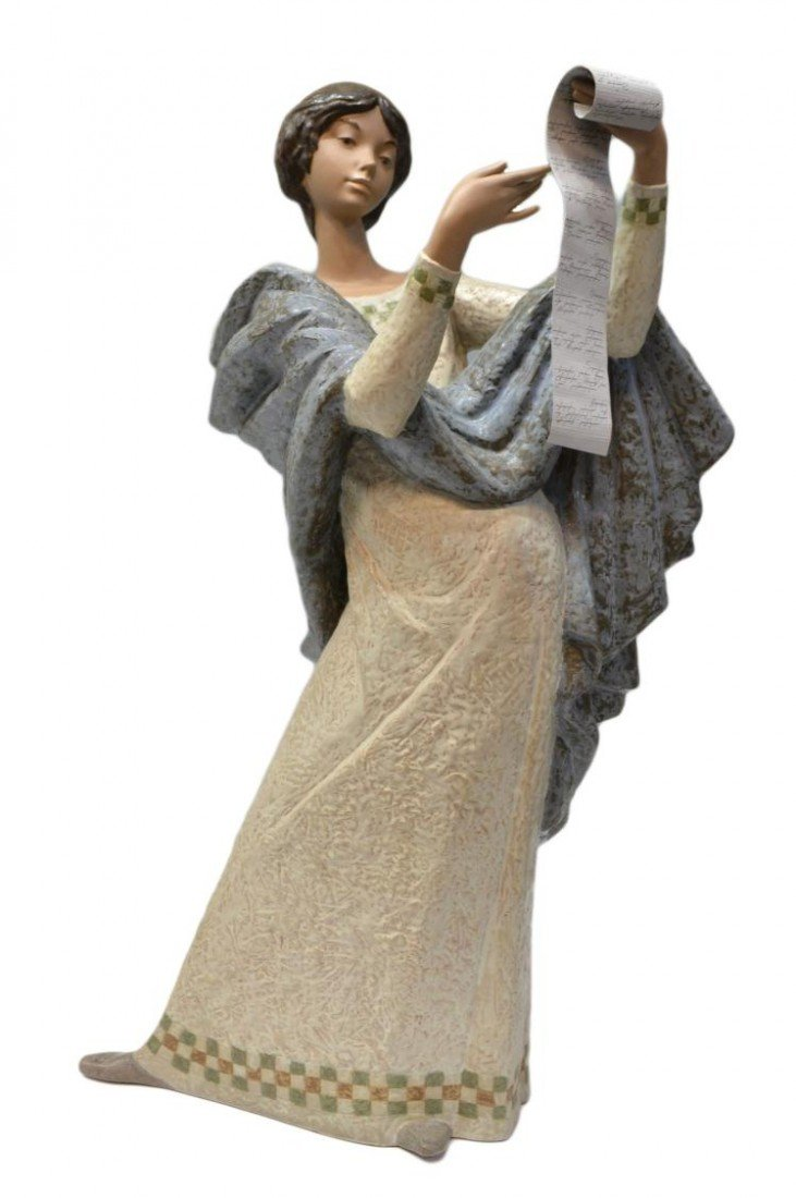 94: MONUMENTAL LLADRO GRES FIGURE, LADY WITH SCROLL
