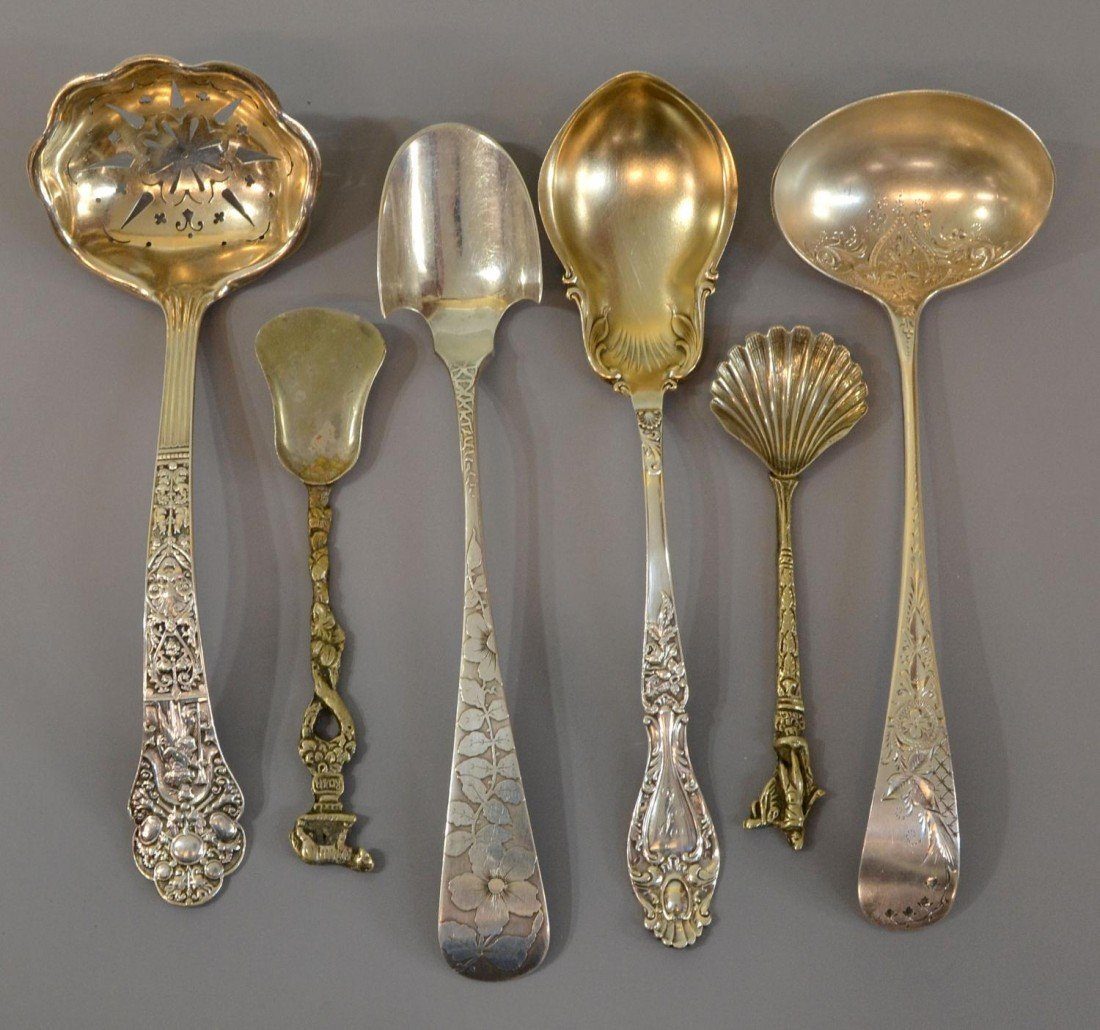 22: GROUP FINE STERLING SILVER SERVICE LADLES, SPOONS