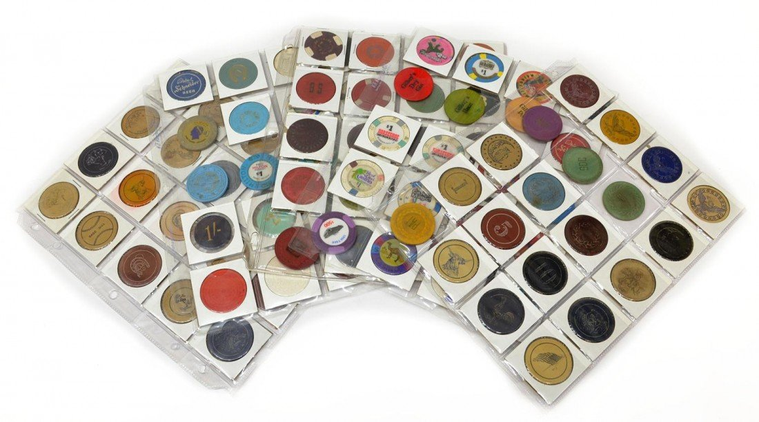 57: 100 VINTAGE CLAY POKER CHIPS, SOME1930's & EARLIER