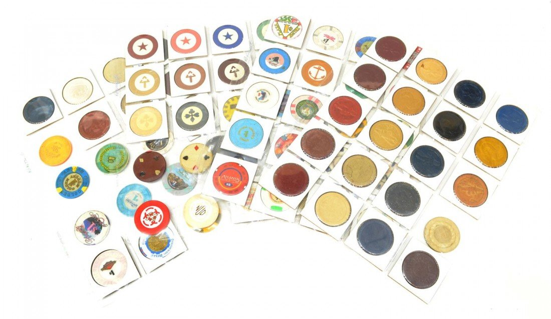 58: 80 VINTAGE CLAY POKER CHIPS, SOME1930's & EARLIER