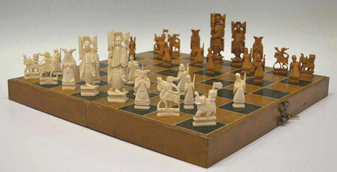 612: CHINESE CARVED IVORY CHESS SET - 2