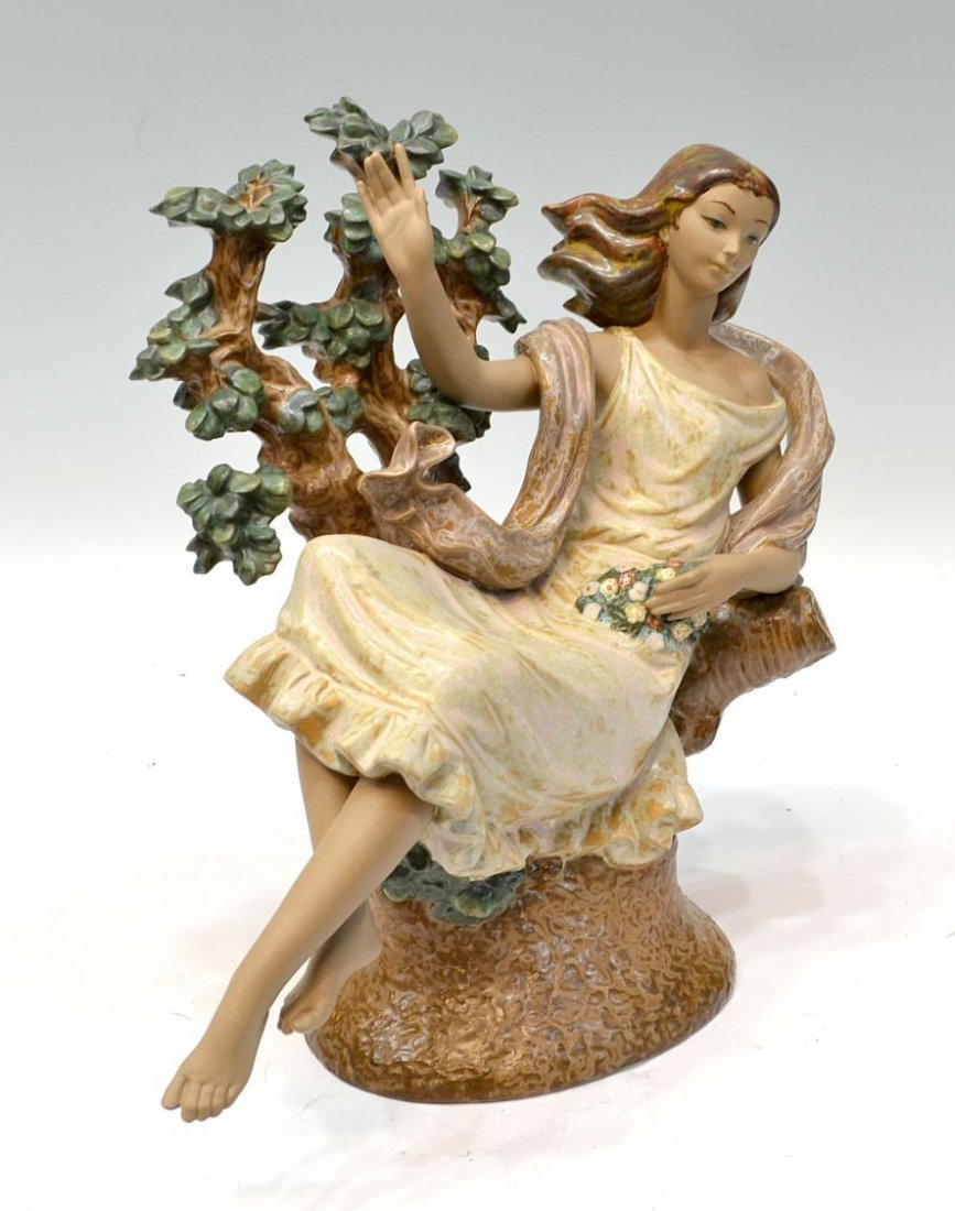 10: LARGE LLADRO PORCELAIN FIGURE, DAY DREAM FLORA